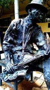 Kippies statue