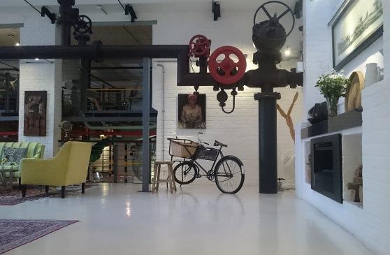 Turbine lounge Di Brown