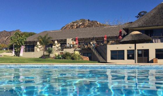 Pknsklf pool Di Brown