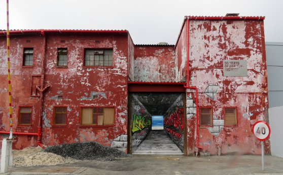 street art, hout bay, Di Brown