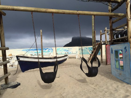 the Dunes, Hout Bay. Di Brown